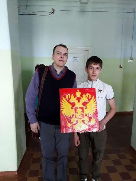 Bondarenko_Ilya_Gerb_RF_rezba_po_derevu__1