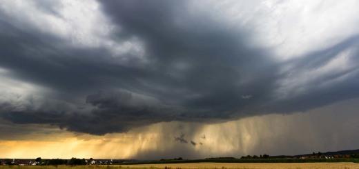thunderstorm-3191402_1280
